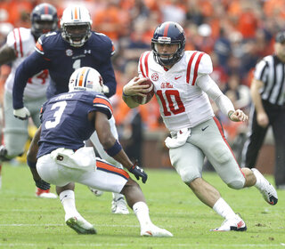 Chad Kelly, Jonathan Jones