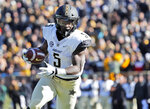 Vanderbilt running back Ke'Shawn Vaughn runs into the end zone after catching a pass for a touchdown during the first half of an NCAA college football game against Missouri, Saturday, Nov. 10, 2018, in Columbia, Mo. (AP Photo/Jeff Roberson)