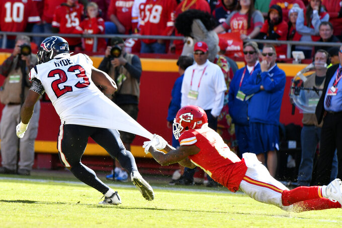 Chiefs' run defense making opposing backs look like stars