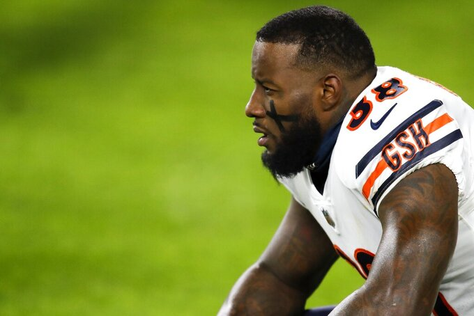 Chicago Bears' Tashaun Gipson warms up before an NFL football game against the Green Bay Packers Sunday, Nov. 29, 2020, in Green Bay, Wis. (AP Photo/Matt Ludtke)