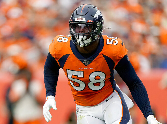 Von Miller says he'll test out injured knee Sunday