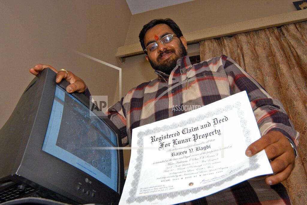 Associated Press International News India INDIA MOON PURCHASE