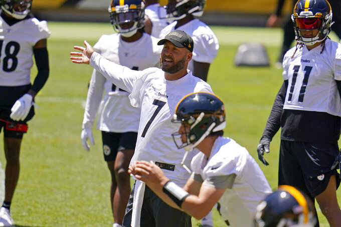 Pittsburgh Steelers quarterback Ben Roethlisberger (7) gives instructions during the team's NFL mini-camp football practice in Pittsburgh, Wednesday, June 16, 2021. (AP Photo/Gene J. Puskar)
