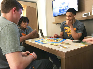 Tennessee Board Games Basketball