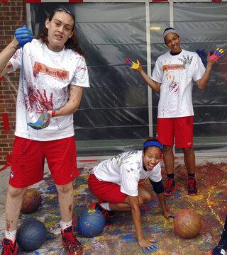 Breanna Stewart, Saniya Chong, Kiah Stokes