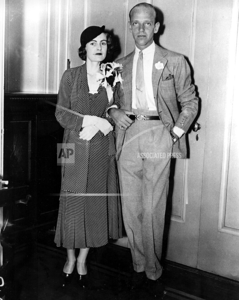 Associated Press Domestic News New York United States Entertainment NEWLYWEDS ASTAIRE LIVINGSTON