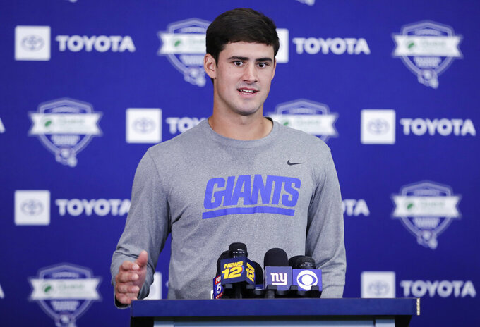 With Daniel Jones waiting, when do Giants sit Eli Manning?