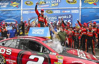 NASCAR New Hampshire Auto Raciing