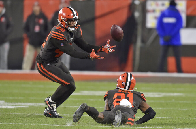 Browns place starting safety Burnett on injured reserve