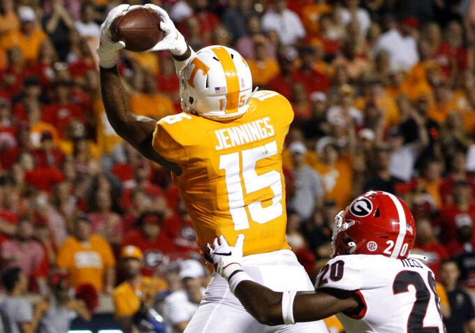 Tennessee QB Maurer's task: Keep finding Jennings, Callaway