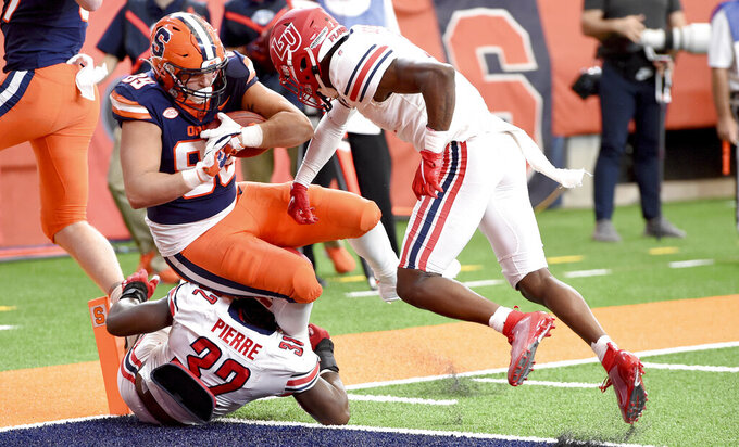 Syracuse's Aaron Hackett (89) scores a touchdown against Liberty during the first half of an NCAA college football game against Liberty on Saturday, Oct 17, 2020, at the Carrier Dome in Syracuse, N.Y.  (Dennis Nett/The Post-Standard via AP)
