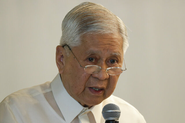 Former Philippines Foreign Secretary Albert del Rosario talks during a forum in Makati, metropolitan Manila, Philippines on Friday, Feb. 28, 2020. Rosario warned Friday the president's move to end a key U.S. security pact will undermine the ability of American forces to help the country deal with major disasters, modernize its military and deter aggression in the disputed South China Sea. (AP Photo/Aaron Favila)