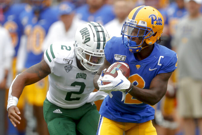 Pickett throws for 321 yards, Pitt clamps down on Ohio 20-10