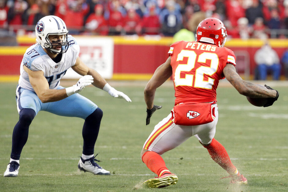 Eric Decker, Marcus Peters