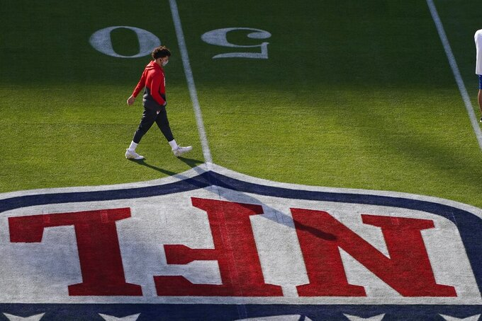 Kansas City Chiefs quarterback Patrick Mahomes warms up before the NFL Super Bowl 55 football game between the Kansas City Chiefs and Tampa Bay Buccaneers, Sunday, Feb. 7, 2021, in Tampa, Fla. (AP Photo/Charlie Riedel)