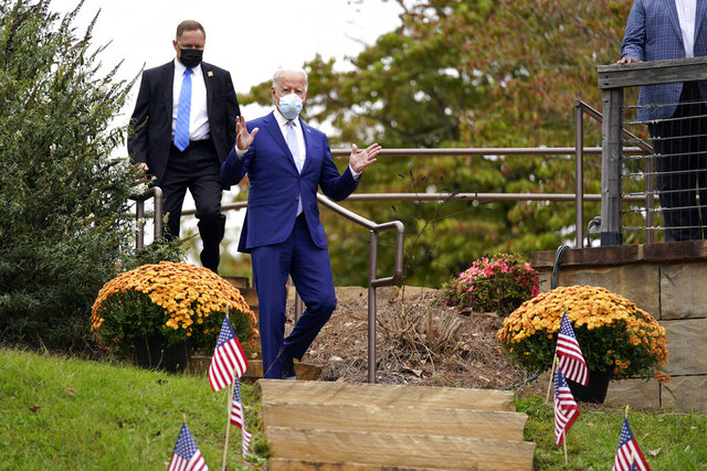 Democratic presidential candidate former Vice President Joe Biden arrives to speak at Mountain Top Inn & Resort, Tuesday, Oct. 27, 2020, in Warm Springs, Ga. (AP Photo/Andrew Harnik)