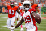 Arizona Cardinals running back Chase Edmonds (29) scores a touchdown in the second half of an NFL football game against the Cincinnati Bengals, Sunday, Oct. 6, 2019, in Cincinnati. (AP Photo/Frank Victores)