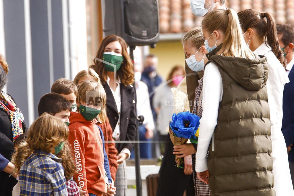 Spanish Royals visit Somao
