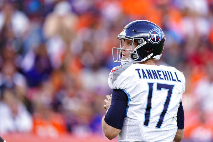 Titans coach deciding whether to bench Mariota for Tannehill