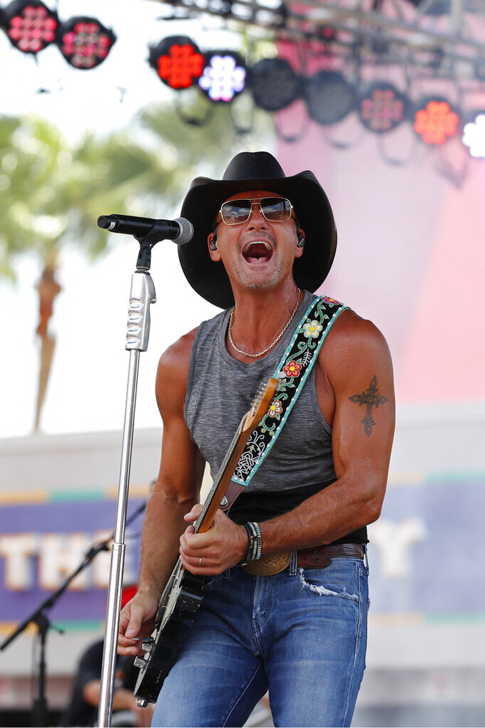 Country singer Tim McGraw before the first half an NFL football game between the Tampa Bay Buccaneers and the San Francisco 49ers, Sunday, Sept. 8, 2019, in Tampa, Fla. (AP Photo/Mark LoMoglio)