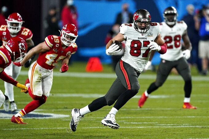 Tampa Bay Buccaneers tight end Rob Gronkowski (87) runbs against the Kansas City Chiefs during the second half of the NFL Super Bowl 55 football game Sunday, Feb. 7, 2021, in Tampa, Fla. (AP Photo/Mark Humphrey)