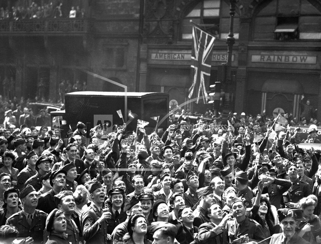 Associated Press International News United Kingdom England WWII BRITAIN LONDON VICTORY