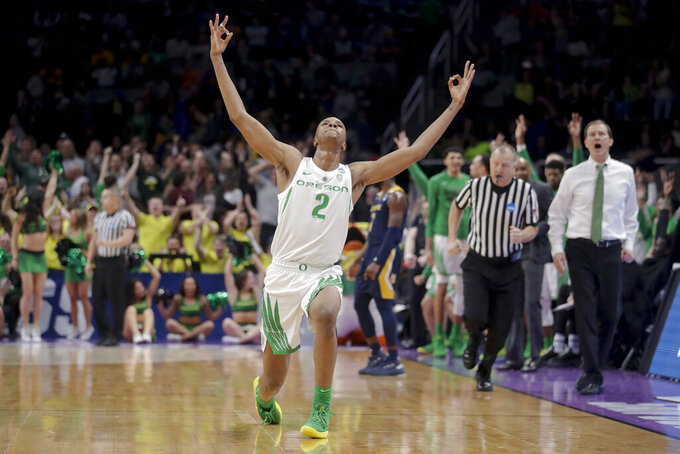 NCAA Latest: Oregon tops UC Irvine for last spot in Sweet 16