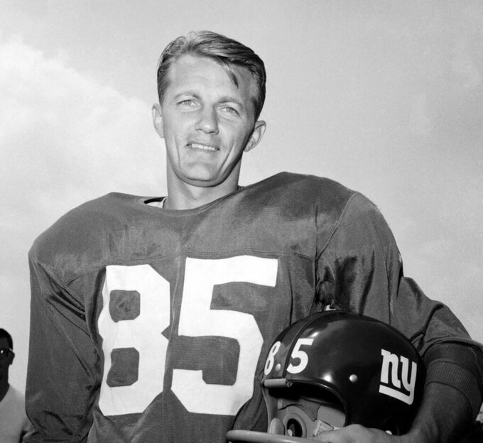 FILE - In this August 1964 file photo, New York Giants' Del Shofner poses for a photo during training camp in Fairfield, Conn. Shofner, the wide receiver who combined with Hall of Fame quarterback Y.A. Tittle to give the Giants one of the NFL's most prolific passing threats in the early 1960s, has died. He was 85. Shofner's daughter, Laurie Shofner Corwin, confirmed the death Thursday, March 12, 2020, in a telephone call to The Associated Press. A family statement said the five-time Pro Bowl receiver died in Los Angeles on Wednesday of natural causes with his family by his side. (AP Photo, File)(AP Photo/Harry Harris, File)