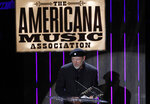 "FILE - Richard Thompson accepts the Lifetime Achievement Songwriting Award at the 11th annual Americana Honors & Awards in Nashville on Sept. 12, 2012. Thompson's book ""Beeswing: Losing My Way and Finding My Voice 1967–1975"" released on April 6. (Photo by Wade Payne/Invision/AP, File)"