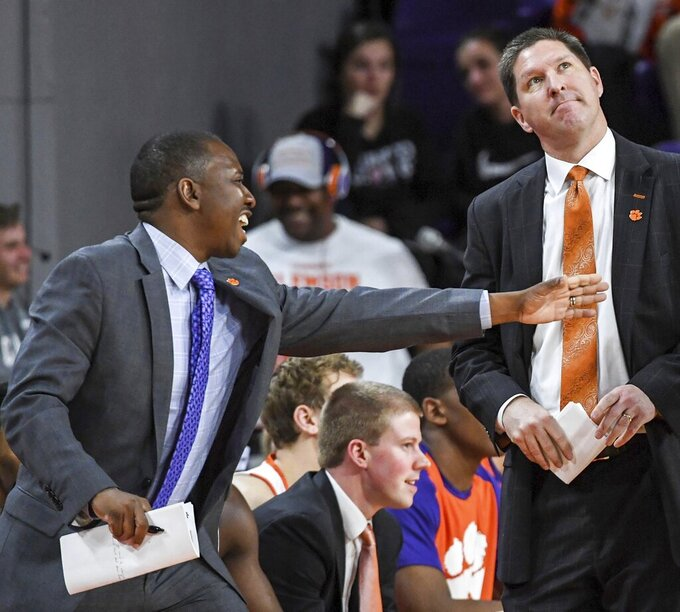 Clemson, hoops assistant parts ways amid corruption trial