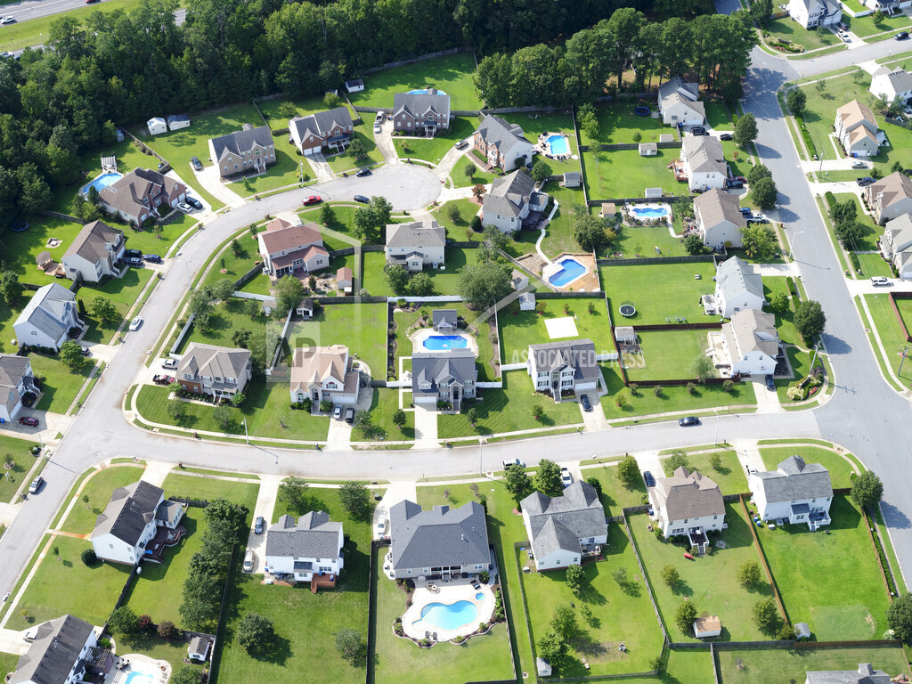 USA, Virginia, Chesapeake, Aerial view of suburban homes in summer
