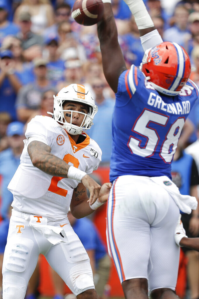No. 9 Florida routs Tennessee 34-3, extends series dominance
