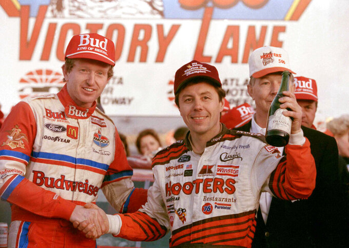 Elliott honors Kulwicki with 1992 championship paint scheme