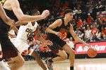 Southern California's Bennie Boatwright brings the ball up against Oregon State during the first half of an NCAA college basketball game in Corvallis, Ore., Thursday, Jan. 10, 2019. (AP Photo/Amanda Loman)