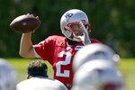 New England Patriots quarterback Brian Hoyer throws the ball in a drill during an NFL football practice, Monday, Aug. 31, 2020, in Foxborough, Mass. (AP Photo/Steven Senne)