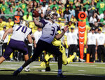 Washington quarterback Jake Browning (3) passes against Oregon during an NCAA college football game in Eugene, Ore., Saturday, Oct. 13, 2018. (AP Photo/Thomas Boyd)