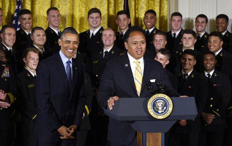 Barack Obama, Ken Niumatalolo