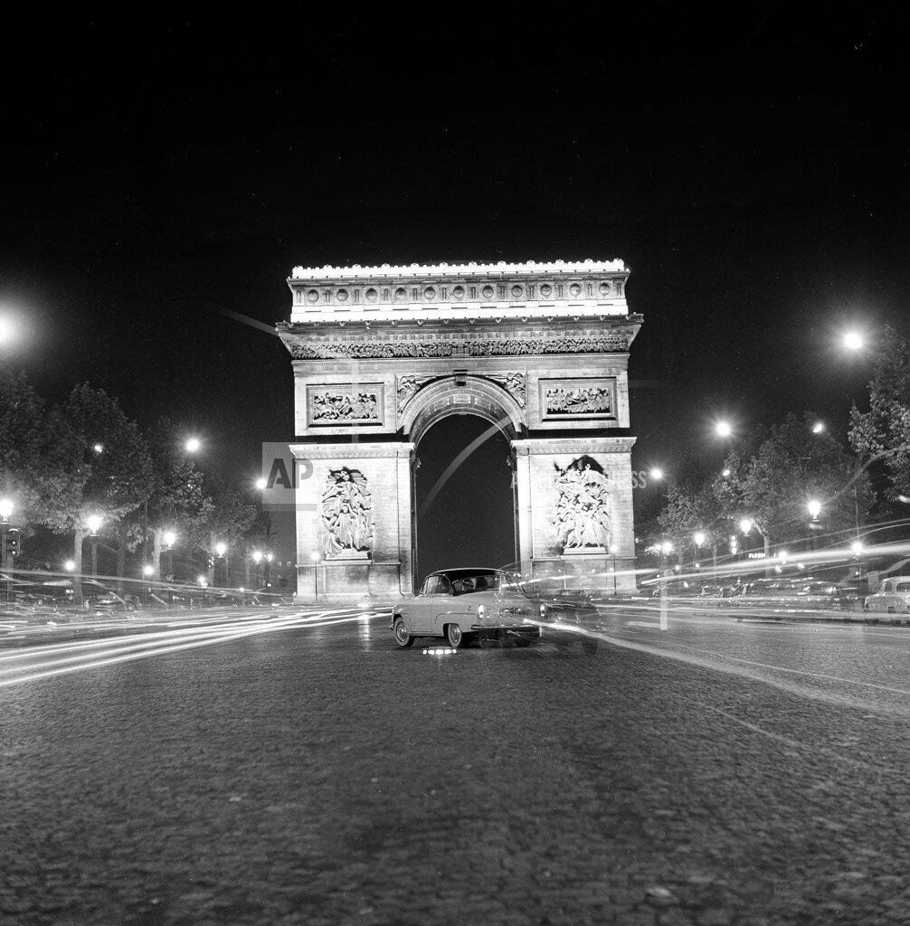 Watchf AP A   FRA APHS102938 Paris Arc de Triomphe