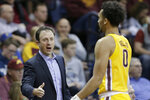 Minnesota coach Richard Pitino talks to Payton Willis (0) during the first half of the team's NCAA college basketball game against Oklahoma in Sioux Falls, S.D., Saturday, Nov. 9, 2019. (AP Photo/Nati Harnik)