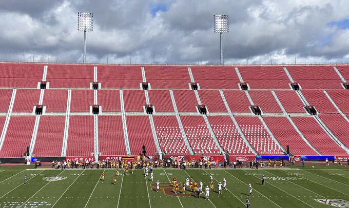 USC Trojans v. Arizona State Sun Devils playing in an empty stadium in the first half of a NCAA football game at the Los Angeles Memorial Coliseum in Los Angeles on Saturday, November 7, 2020. (Keith Birmingham/The Orange County Register via AP)