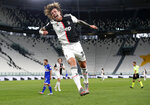Juventus' Federico Bernardeschi celebrates after scoring his team's second goal during the Serie A soccer match between Juventus and Sampdoria at the Allianz stadium in Turin, Italy, Sunday, July 26, 2020. (AP Photo/Antonio Calanni)