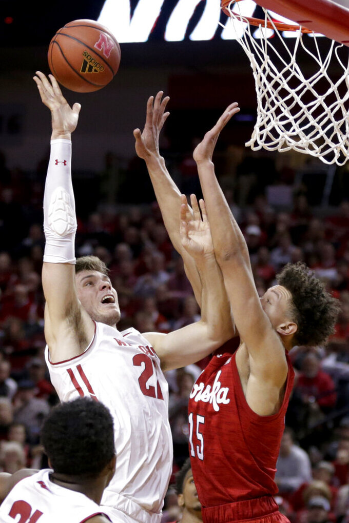 No. 24 Wisconsin wins its 4th straight, 62-51 over Nebraska