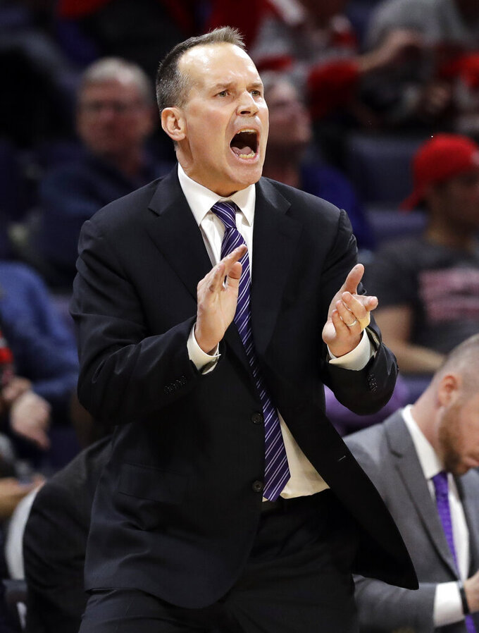 Northwestern snaps 10-game skid, beats Ohio State 68-50