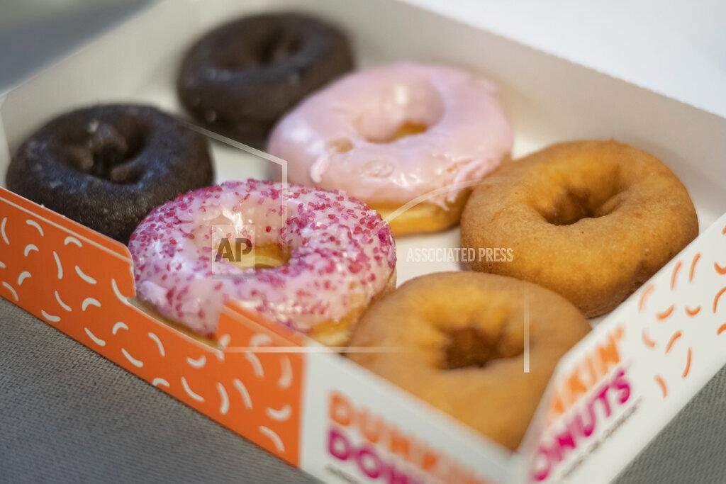Earns Dunkin' Brands