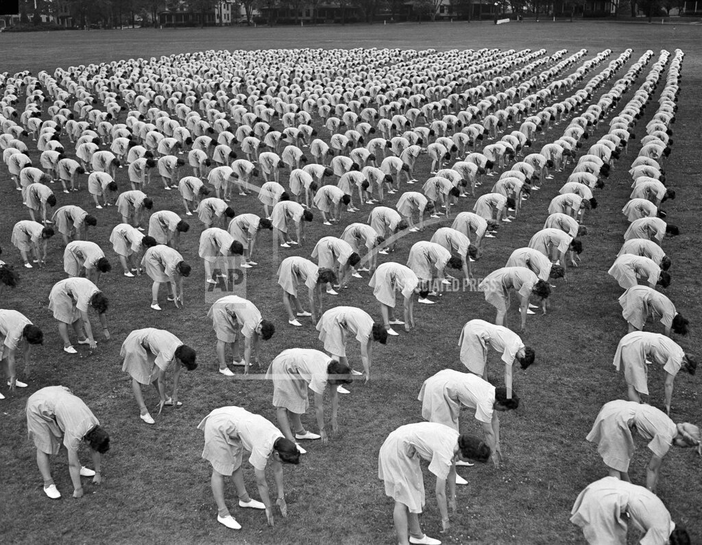 Watchf AP A  GA USA APHS466425 WWII U.S. Women Training