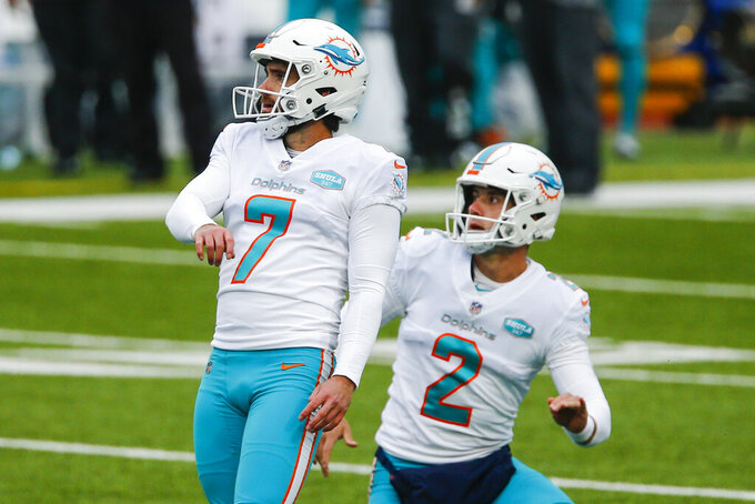 Miami Dolphins kicker Jason Sanders (7) kicks a field goal in the first half of an NFL football game against the Buffalo Bills, Sunday, Jan. 3, 2021, in Orchard Park, N.Y. (AP Photo/John Munson)
