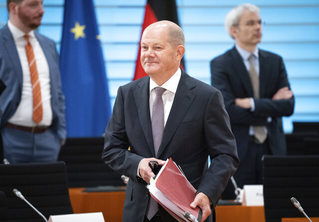 Olaf Scholz, Federal Minister of Finance, attends the meeting of the Federal Cabinet in the Federal Chancellery in Berlin, Germany, Sept. 23, 2020. (Kay Nietfeld/dpa via AP)