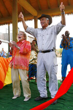 FILE—This file photo from May 22, 2014, shows Jack Hanna, Director Emeritus of the Columbus Zoo and Aquarium, right, Betty White, actress and longtime animal advocate at the grand opening of the Heart of Africa exhibit at the Columbus Zoo & Aquarium in Powell, Ohio. Hanna's family said Wednesday, April 7, that the celebrity zookeeper and frequent talk-show guest has been diagnosed with dementia and will retire from public life. In a news release they said it's believed he now has Alzheimer's disease and it has progressed very quickly in the last few months. The 74-year-old Hanna was director of the Columbus Zoo from 1978 to 1992. (Jonathan Quilter/The Columbus Dispatch via AP, File)
