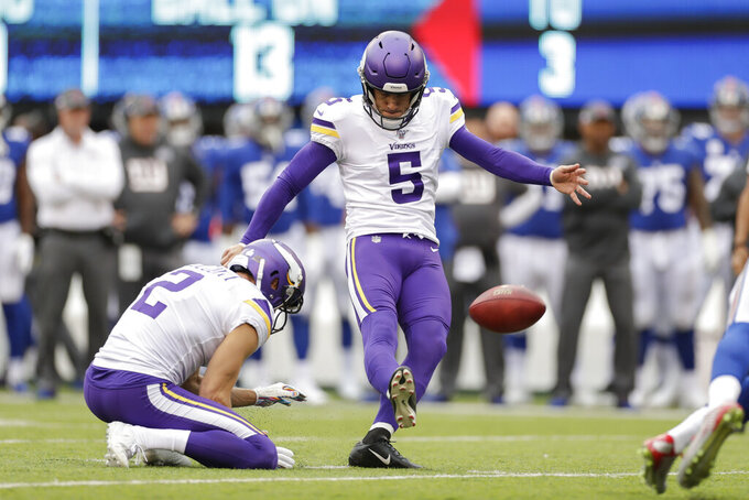 Minnesota Vikings kicker Dan Bailey (5) kicks a field goal against the New York Giants during the first quarter of an NFL football game, Sunday, Oct. 6, 2019, in East Rutherford, N.J. (AP Photo/Adam Hunger)