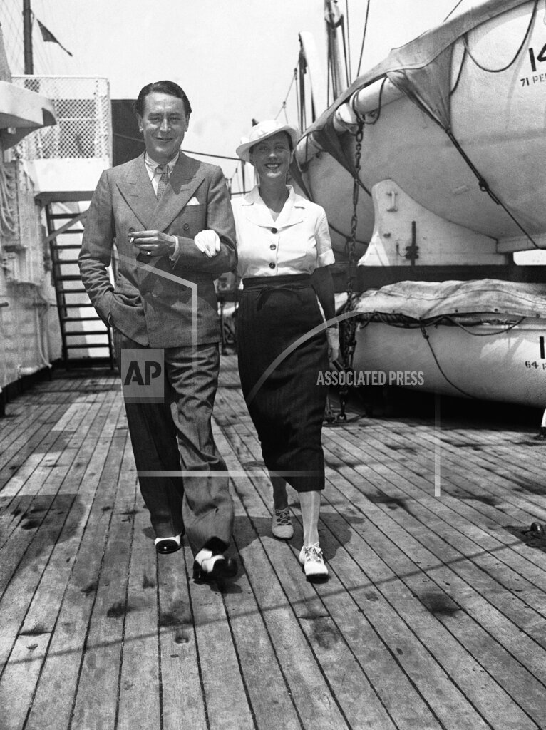 Watchf AP A  NY USA APHS250281 Beatrice Lillie and Reginald Gardiner Comedienne  Aboard Ship